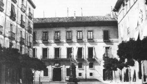 Plazas y calles de ayer y hoy: Plaza del Consejo: (1890-2011)