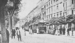Imagenes del ayer: El Irati a su paso por el  Paseo de Sarasate (1911-1922)
