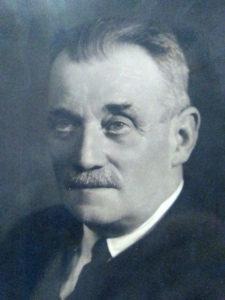 Biografías: Bernardino Tirapu (1884-1964) y la sociedad Euskeraren Adiskideak