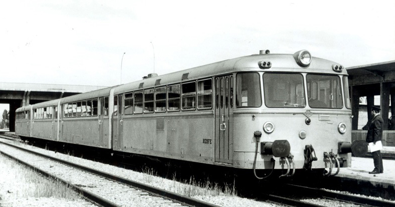 Estampas de antaño: el viaje de vacaciones al pueblo (1966-71) y (1977-82)