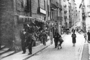 Comercios del Viejo Pamplona:  la calle Santo Domingo (1908-1953)