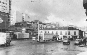 La plaza de la Argentina y las villavesas (1965-1982)
