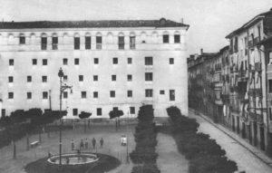 Plazas y calles de ayer y hoy: La plaza de Compañía (1913-2003)