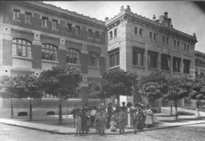 Plazas y calles de ayer y hoy: La plaza de San Francisco (1905-2005)
