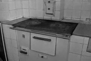 Vivencias, usos y costumbres en el viejo Pamplona: la cocina económica (1960-1975)