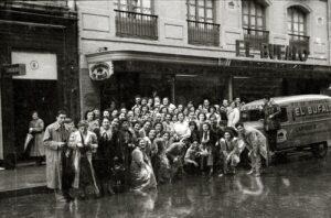 """Comercios del Viejo Pamplona: Impermeables """"El Búfalo"""" (1926-2007)"""