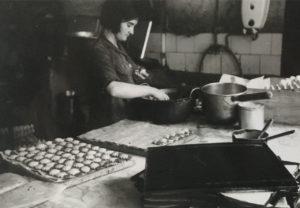 ¡Al rico chocolate! Aquellas pastelerías, confiterías y chocolaterías (1900-2000)