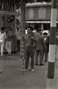 Callejeando por el Viejo Pamplona de los 50: Un recorrido por los bares de la época. (1954)