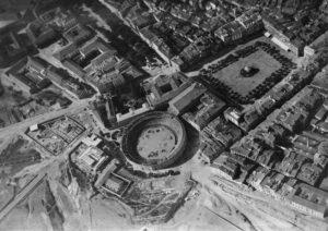 Imagenes del ayer: Pamplona, a vista de pájaro  (1921)