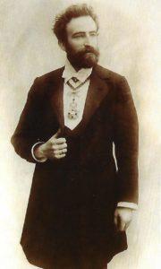 Principales entidades musicales del Viejo Pamplona (1865-1946): El Orfeón, la Coral de Cámara, la Orquesta Santa Cecilia, Los Amigos del Arte, La Filarmónica y La Pamplonesa